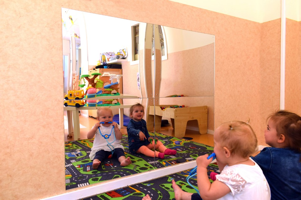 child safe mirrors, child safe mirror, miroirs antichoc, miroir antichoc